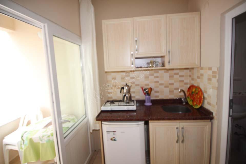 Avşa Ayışığı Apart Standart Oda Mutfak