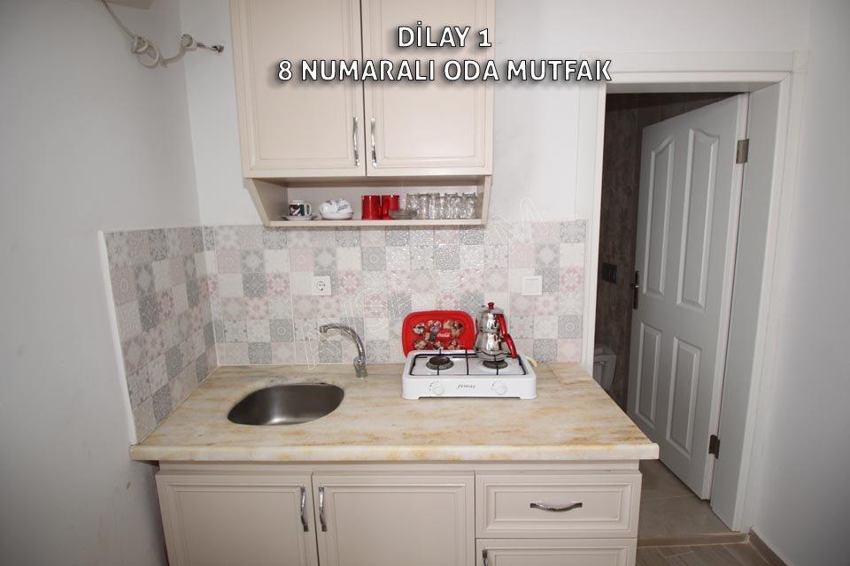 Avşa Adası Dilay Apart 8 Numaralı Oda 3 Tek Yataklı Oda Mutfak