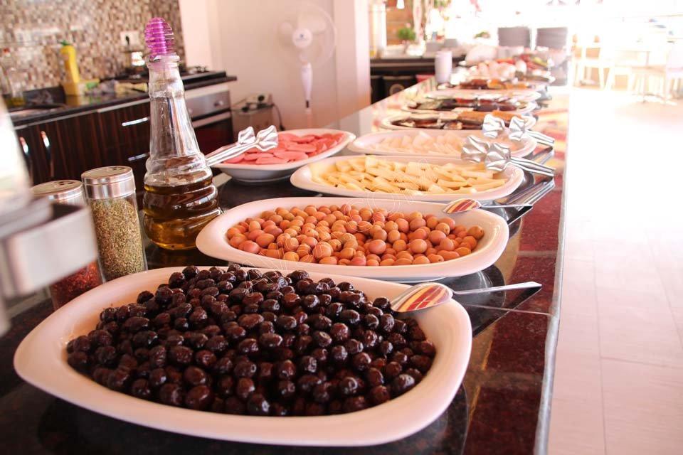 Nehir Delüx Otel Kahvaltı Salonu 05
